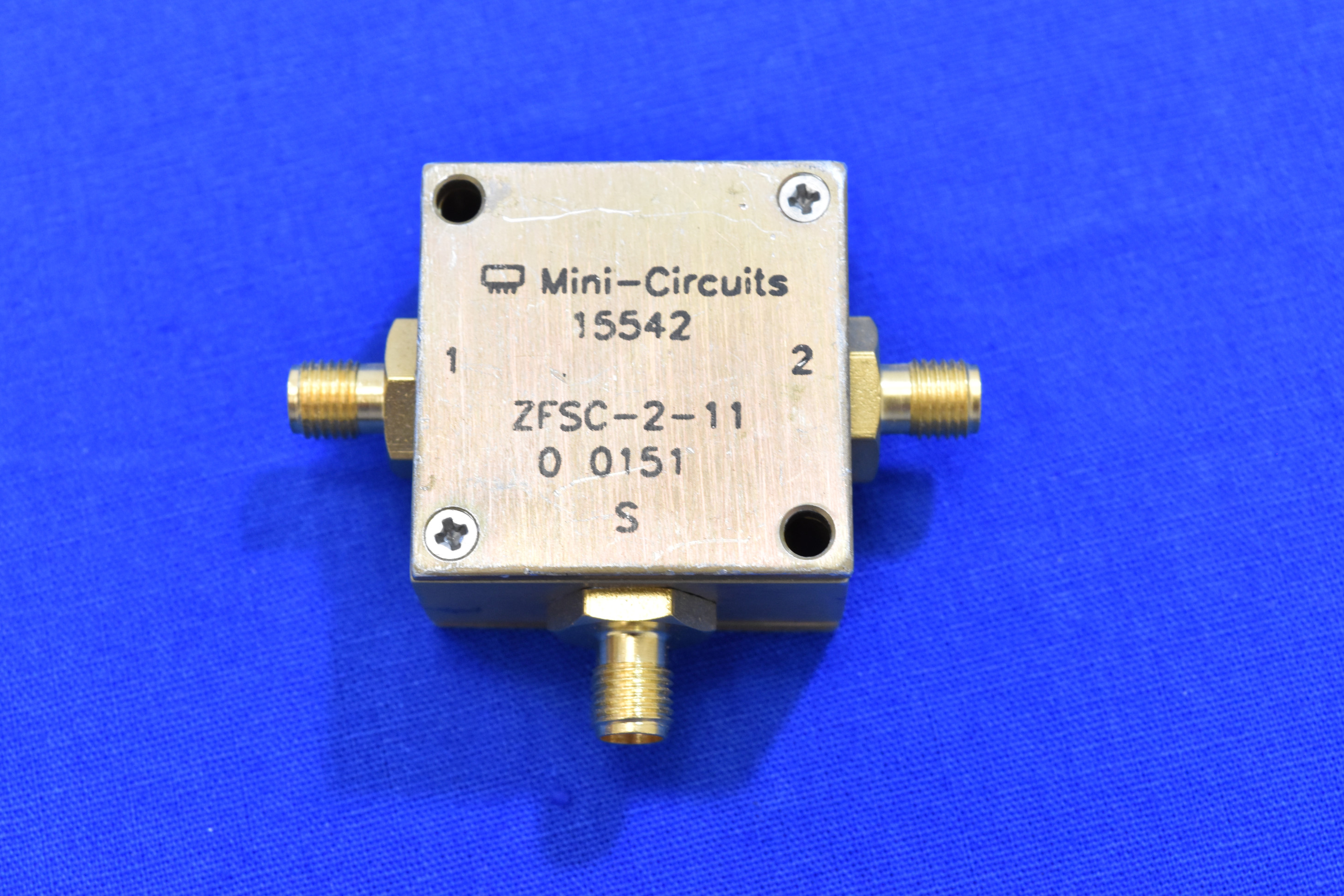 Mini-Circuits ZFSC-2-11 Coaxial Power Splitter/Combiner, 10 to 2000 MHz, SMA